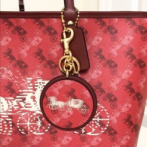 Coach Bags - 💃Coach Coach Set Reversible City Tote and Charm